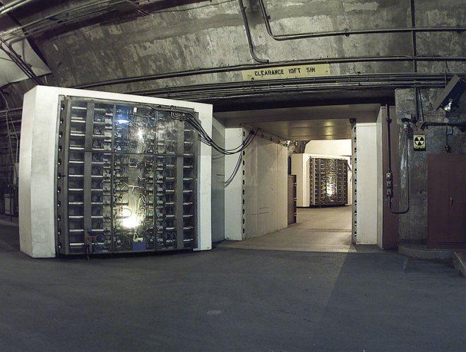 812e8cc4476fad2795_1024px-NORADBlast-Doors