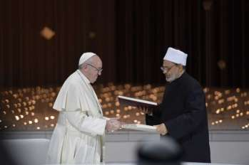Pope signs pact with Islam declaring 'diversity of religions' is